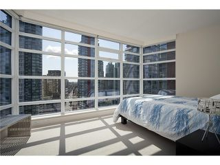"Photo 7: 2404 1205 W HASTINGS Street in Vancouver: Coal Harbour Condo for sale in ""THE CIELO"" (Vancouver West)  : MLS®# V883729"
