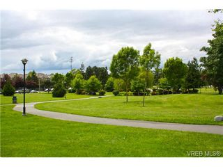 Photo 17: 205 949 Cloverdale Ave in VICTORIA: SE Quadra Condo Apartment for sale (Saanich East)  : MLS®# 658759