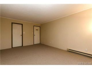 Photo 10: 205 949 Cloverdale Ave in VICTORIA: SE Quadra Condo Apartment for sale (Saanich East)  : MLS®# 658759