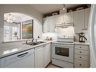 """Photo 6: 301 2588 ALDER Street in Vancouver: Fairview VW Condo for sale in """"BOLLERT PLACE"""" (Vancouver West)  : MLS®# V1065670"""