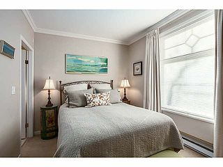 "Photo 10: 301 2588 ALDER Street in Vancouver: Fairview VW Condo for sale in ""BOLLERT PLACE"" (Vancouver West)  : MLS®# V1065670"