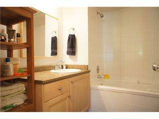 """Photo 13: 205 6735 STATION HILL Court in Burnaby: South Slope Condo for sale in """"COURTYARDS"""" (Burnaby South)  : MLS®# V1068430"""