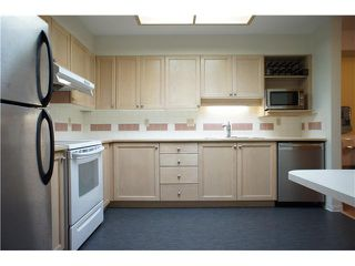 """Photo 8: 205 6735 STATION HILL Court in Burnaby: South Slope Condo for sale in """"COURTYARDS"""" (Burnaby South)  : MLS®# V1068430"""
