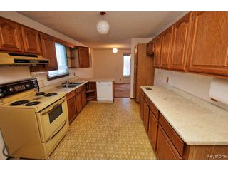 Photo 6: 772 Brazier Street in WINNIPEG: East Kildonan Residential for sale (North East Winnipeg)  : MLS®# 1503863