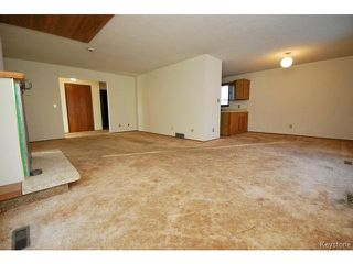 Photo 4: 772 Brazier Street in WINNIPEG: East Kildonan Residential for sale (North East Winnipeg)  : MLS®# 1503863