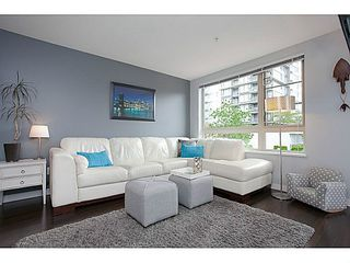 """Photo 4: 211 701 KLAHANIE Drive in Port Moody: Port Moody Centre Condo for sale in """"THE LODGE AT NAHANNI"""" : MLS®# V1138856"""
