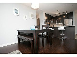 """Photo 5: 211 701 KLAHANIE Drive in Port Moody: Port Moody Centre Condo for sale in """"THE LODGE AT NAHANNI"""" : MLS®# V1138856"""