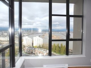 "Photo 18: 2003 11 E ROYAL Avenue in New Westminster: Fraserview NW Condo for sale in ""VICTORIA HILL HIGHRISE RESIDENCES"" : MLS®# R2045382"