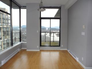 """Photo 8: 2003 11 E ROYAL Avenue in New Westminster: Fraserview NW Condo for sale in """"VICTORIA HILL HIGHRISE RESIDENCES"""" : MLS®# R2045382"""