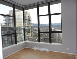 "Photo 17: 2003 11 E ROYAL Avenue in New Westminster: Fraserview NW Condo for sale in ""VICTORIA HILL HIGHRISE RESIDENCES"" : MLS®# R2045382"