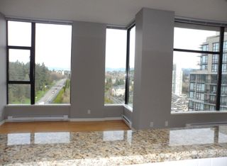"""Photo 7: 2003 11 E ROYAL Avenue in New Westminster: Fraserview NW Condo for sale in """"VICTORIA HILL HIGHRISE RESIDENCES"""" : MLS®# R2045382"""