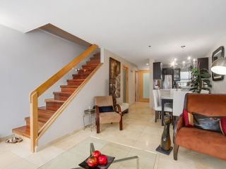 """Photo 4: 3011 LAUREL Street in Vancouver: Fairview VW Townhouse for sale in """"FAIRVIEW COURT"""" (Vancouver West)  : MLS®# R2058843"""