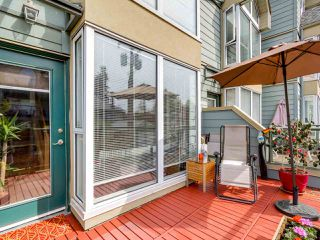 "Photo 12: 3011 LAUREL Street in Vancouver: Fairview VW Townhouse for sale in ""FAIRVIEW COURT"" (Vancouver West)  : MLS®# R2058843"