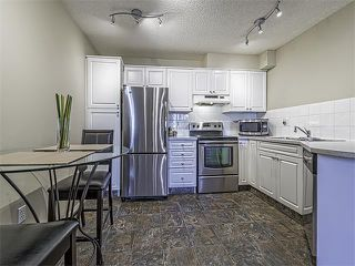 Photo 3: 302 30 SIERRA MORENA Mews SW in Calgary: Signal Hill Condo for sale : MLS®# C4062725