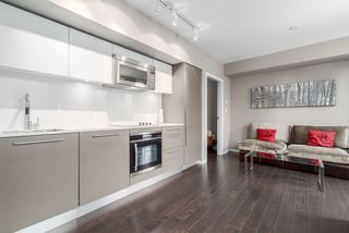 """Photo 1: 2301 999 SEYMOUR Street in Vancouver: Downtown VW Condo for sale in """"999 Seymour"""" (Vancouver West)  : MLS®# R2080555"""