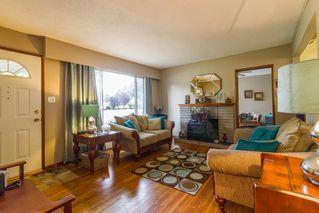 Photo 2: 20948 117 Avenue in Maple Ridge: Southwest Maple Ridge House for sale : MLS®# R2083331