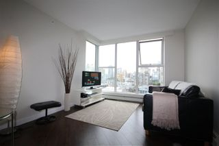 "Photo 1: 2002 1009 EXPO Boulevard in Vancouver: Yaletown Condo for sale in ""LANDMARK 33"" (Vancouver West)  : MLS®# R2090524"