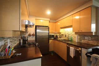"Photo 3: 2002 1009 EXPO Boulevard in Vancouver: Yaletown Condo for sale in ""LANDMARK 33"" (Vancouver West)  : MLS®# R2090524"