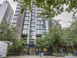 """Photo 3: 1407 1068 HORNBY Street in Vancouver: Downtown VW Condo for sale in """"THE CANADIAN AT WALL CENTRE"""" (Vancouver West)  : MLS®# R2097298"""