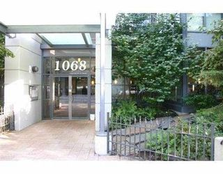 """Photo 1: 1407 1068 HORNBY Street in Vancouver: Downtown VW Condo for sale in """"THE CANADIAN AT WALL CENTRE"""" (Vancouver West)  : MLS®# R2097298"""