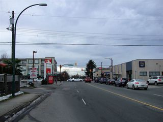 Photo 7: 2052 E 49TH Avenue in Vancouver: Killarney VE House for sale (Vancouver East)  : MLS®# R2137182