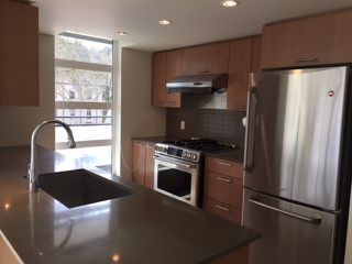 "Photo 5: 302 95 MOODY Street in Port Moody: Port Moody Centre Condo for sale in ""THE STATION"" : MLS®# R2157124"