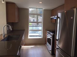 "Photo 6: 302 95 MOODY Street in Port Moody: Port Moody Centre Condo for sale in ""THE STATION"" : MLS®# R2157124"