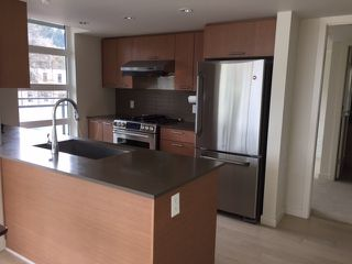 "Photo 4: 302 95 MOODY Street in Port Moody: Port Moody Centre Condo for sale in ""THE STATION"" : MLS®# R2157124"