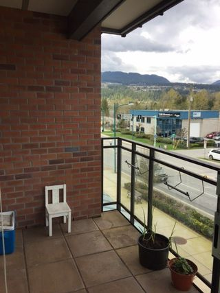 "Photo 15: 302 95 MOODY Street in Port Moody: Port Moody Centre Condo for sale in ""THE STATION"" : MLS®# R2157124"