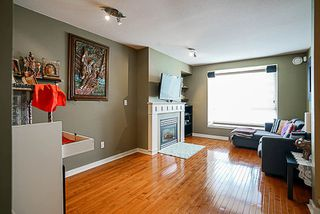 "Photo 2: 7309 HAWTHORNE Terrace in Burnaby: Highgate Townhouse for sale in ""BERKLEY"" (Burnaby South)  : MLS®# R2161141"