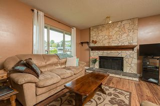 Photo 3: 35386 WELLS GRAY Avenue in Abbotsford: Abbotsford East House for sale : MLS®# R2164602