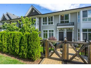 """Photo 2: 3 14433 60 Avenue in Surrey: Sullivan Station Townhouse for sale in """"BRIXTON"""" : MLS®# R2180225"""