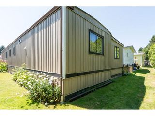 "Photo 2: 3 2120 KING GEORGE Boulevard in Surrey: King George Corridor Manufactured Home for sale in ""Five Oaks"" (South Surrey White Rock)  : MLS®# R2189509"