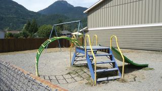 """Photo 20: 25 39752 GOVERNMENT Road in Squamish: Northyards Townhouse for sale in """"Mountainview Manor"""" : MLS®# R2190347"""