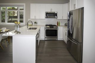 Photo 6: 1121 E 10TH Avenue in Vancouver: Mount Pleasant VE 1/2 Duplex for sale (Vancouver East)  : MLS®# R2207250