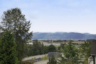 """Photo 13: 2459 WHATCOM Road in Abbotsford: Abbotsford East House for sale in """"Mountain Village"""" : MLS®# R2208221"""