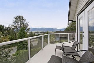"""Photo 16: 2459 WHATCOM Road in Abbotsford: Abbotsford East House for sale in """"Mountain Village"""" : MLS®# R2208221"""