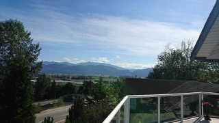"""Photo 9: 2459 WHATCOM Road in Abbotsford: Abbotsford East House for sale in """"Mountain Village"""" : MLS®# R2208221"""