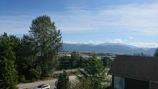 """Photo 19: 2459 WHATCOM Road in Abbotsford: Abbotsford East House for sale in """"Mountain Village"""" : MLS®# R2208221"""