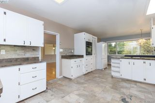 Photo 5: 2048 Melville Drive in SAANICHTON: Si Sidney North-East Single Family Detached for sale (Sidney)  : MLS®# 384358