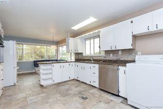 Photo 6: 2048 Melville Drive in SAANICHTON: Si Sidney North-East Single Family Detached for sale (Sidney)  : MLS®# 384358