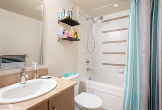 """Photo 14: 2201 977 MAINLAND Street in Vancouver: Yaletown Condo for sale in """"YALETOWN PARK"""" (Vancouver West)  : MLS®# R2217552"""