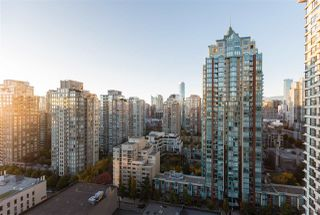 """Photo 18: 2201 977 MAINLAND Street in Vancouver: Yaletown Condo for sale in """"YALETOWN PARK"""" (Vancouver West)  : MLS®# R2217552"""
