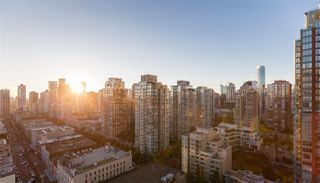 """Photo 12: 2201 977 MAINLAND Street in Vancouver: Yaletown Condo for sale in """"YALETOWN PARK"""" (Vancouver West)  : MLS®# R2217552"""
