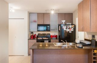 """Photo 6: 2201 977 MAINLAND Street in Vancouver: Yaletown Condo for sale in """"YALETOWN PARK"""" (Vancouver West)  : MLS®# R2217552"""