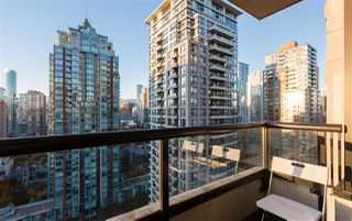 """Photo 15: 2201 977 MAINLAND Street in Vancouver: Yaletown Condo for sale in """"YALETOWN PARK"""" (Vancouver West)  : MLS®# R2217552"""