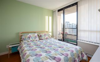 """Photo 9: 2201 977 MAINLAND Street in Vancouver: Yaletown Condo for sale in """"YALETOWN PARK"""" (Vancouver West)  : MLS®# R2217552"""