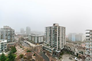 """Photo 10: 1202 170 W 1ST Street in North Vancouver: Lower Lonsdale Condo for sale in """"ONE PARK LANE"""" : MLS®# R2228701"""