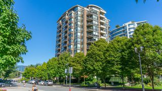 """Photo 2: 1202 170 W 1ST Street in North Vancouver: Lower Lonsdale Condo for sale in """"ONE PARK LANE"""" : MLS®# R2228701"""