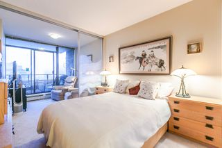 """Photo 5: 1202 170 W 1ST Street in North Vancouver: Lower Lonsdale Condo for sale in """"ONE PARK LANE"""" : MLS®# R2228701"""